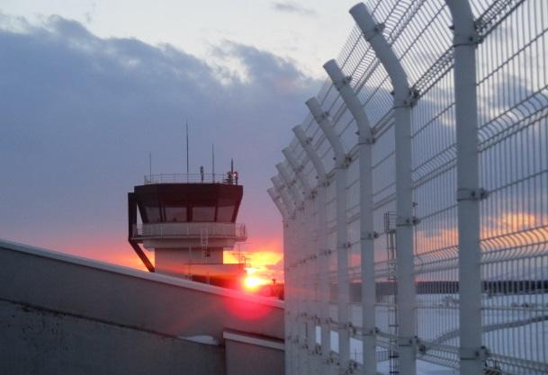 http://www.nakashibetsu-airport.jp/20180216%E5%A4%95%E6%96%B9.JPG